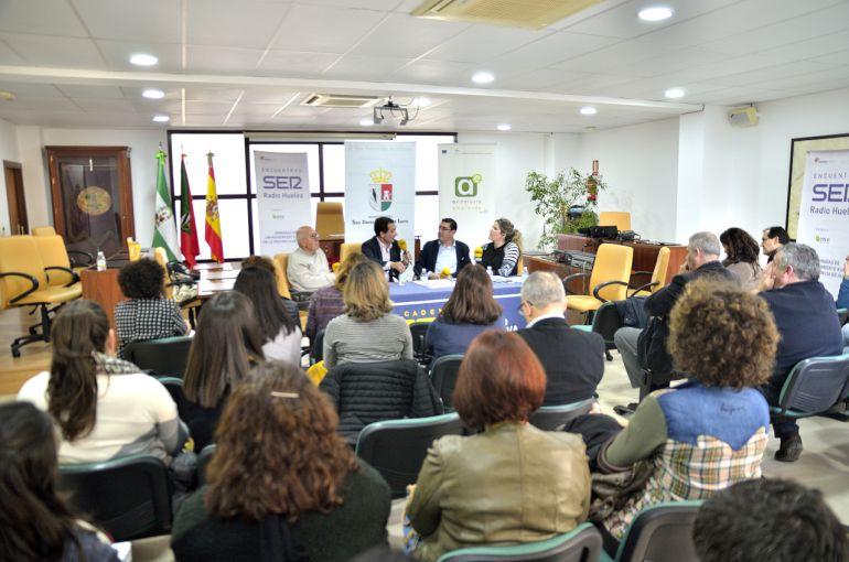 El salón de plenos del Ayuntamiento de San Bartolomé se llenó para presenciar las Jornadas de Emprendimiento realizadas por la SER.