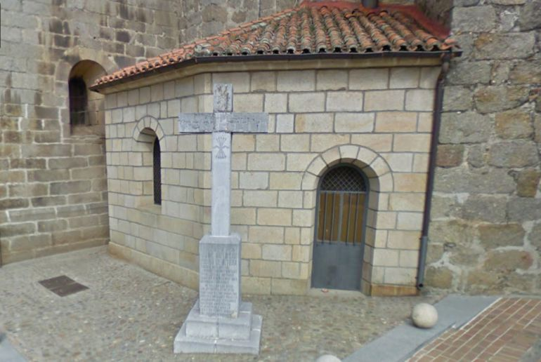 Cruz dedicada a los caídos en el bando franquista durante la Guerra Civil