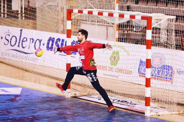 Nacho Biosca continuará dos temporadas más en el Abanca Ademar
