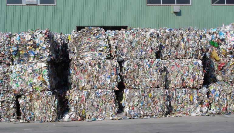 Toneladas de residuos empaquetados para ser valorizados