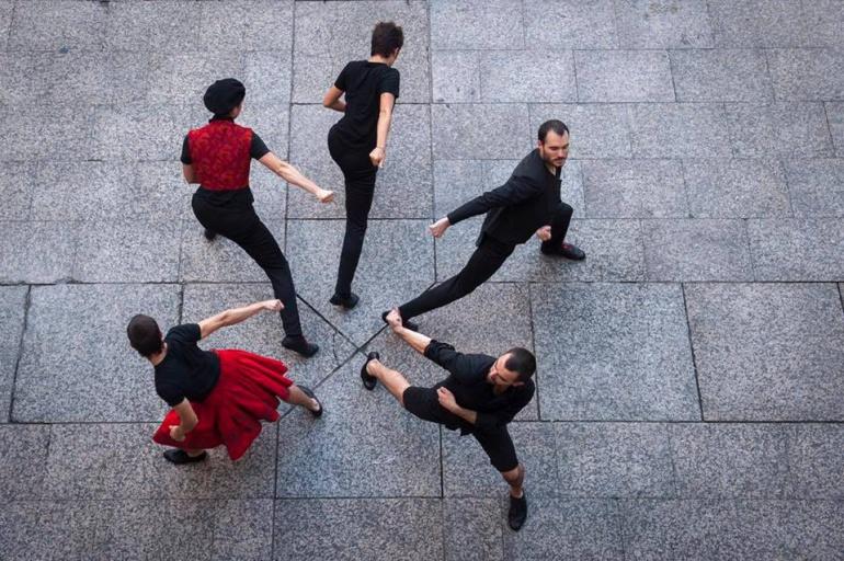Kukai celebrar su cumplea os recordando su trayectoria for Espectaculo kukai dantza
