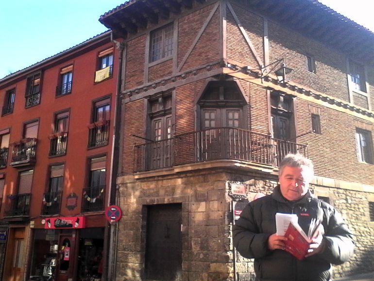 El arquitecto Alberto Abaitua nos acompaña en nuestra visita