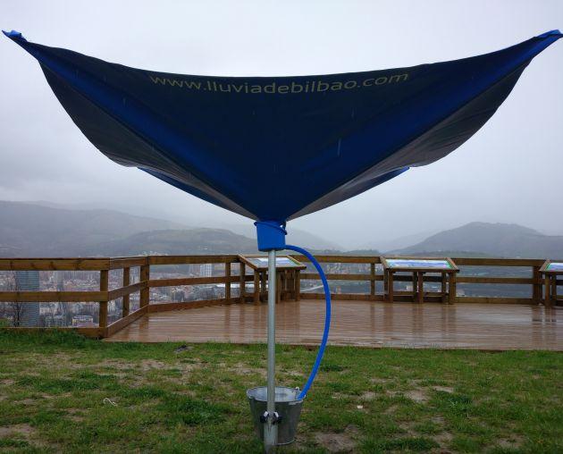 Proceso de recogida de la lluvia de Bilbao en el monte Artxanda.