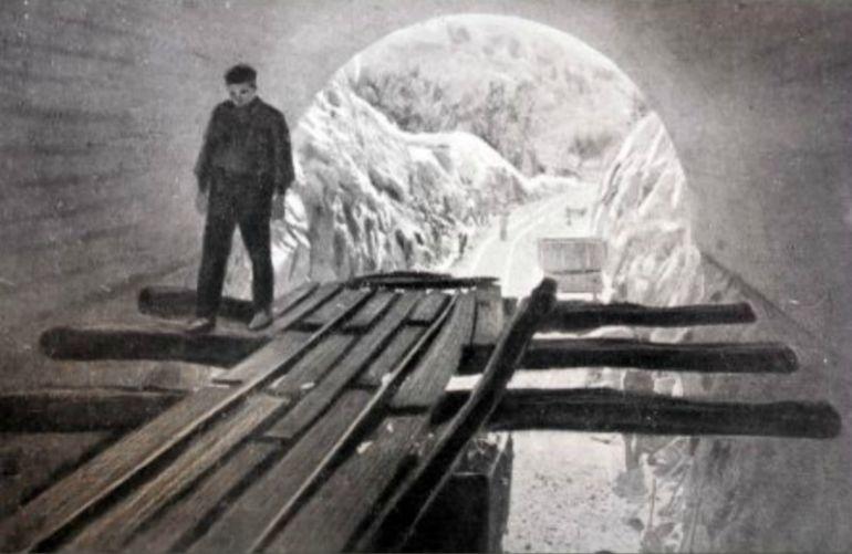 Entrada sur al túnel en los años veinte