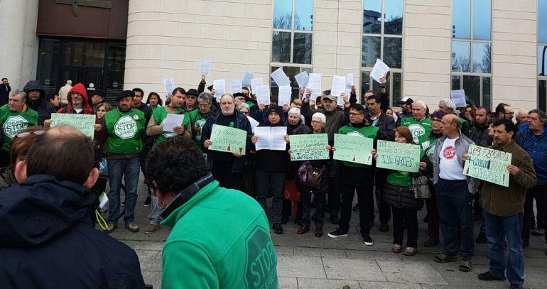 La PAH de Navarra pide en los juzgados la suspensión de los desahucios