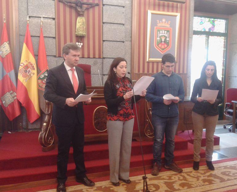 De izda. a dcha., Javier Lacalle, por el PP, Mar Arnáiz, PSOE, Raúl Salinero de Imagina y Gloria Bañeres de Ciudadanos