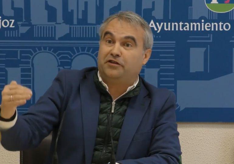 Fragoso en un momento de la rueda de prensa en la que ha hablado de las denuncias del PSOE.