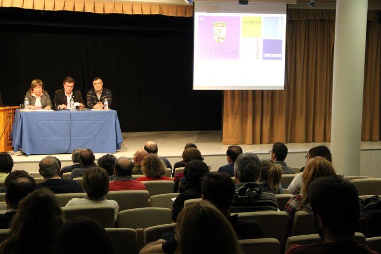 Los concejales de Cultura y Deporte presentan junto al alcalde de Cuéllar la programación complementaria a Las Edades del Hombre