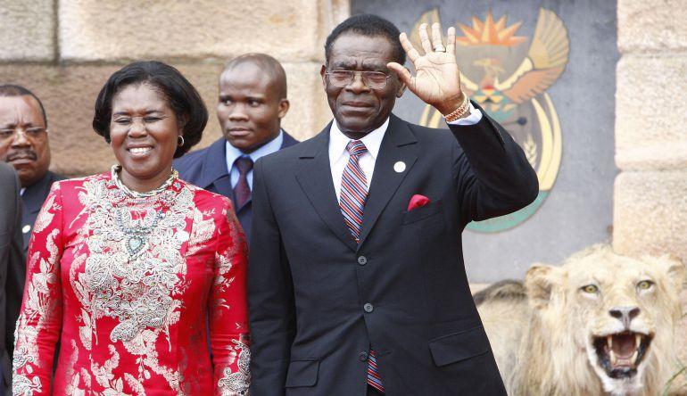 El presidente de Guinea Ecuatorial, Teodoro Obiang, y su esposa, Constancia Mangue, en mayo de 2009