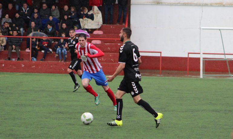 Fran Simón en el partido en Las Pedroñeras