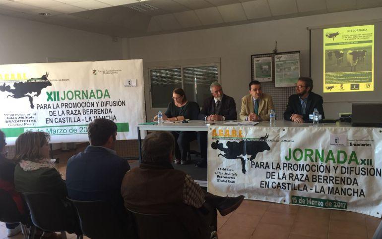 C-LM defiende la protección de la ganadería extensiva en la reforma de la PAC