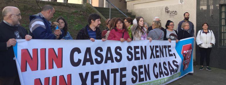 Movilización de Stop Desahucios en Ferrol en apoyo a Veronica