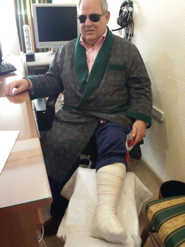 Magallanes, recuperándose en su casa de la lesión sufrida.