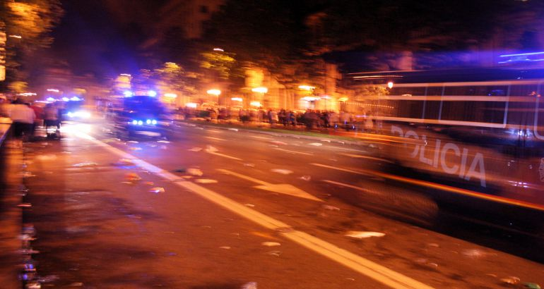 Al final de la manifestación del 27 de enero de 2011 contra la subida de la edad de jubilación se produjeron incidentes y la policía detuvo a tres personas.