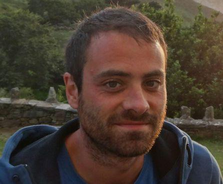 Sergio Alonso niega que lanzara una botella contra la policía por lo que la fiscalía le pide dos años y ocho meses de cárcel.