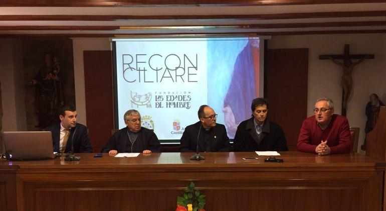Representantes de la Diócesis de Ciudad Rodrigo, el Cabildo Catedralicio, la Fundación Edades del Hombre y la Junta de Castilla y León explican las obras que aportarán a 'Reconciliare'