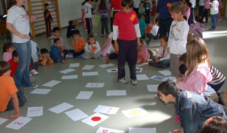 Por grupos de edades los menores podrán disfrutar de actividades tan lúdicas como educativas, supervisados por monitores especializados