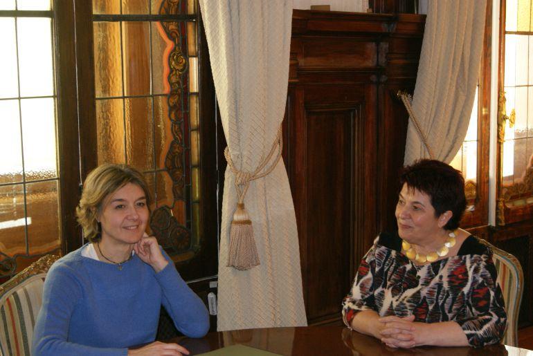Reunión de la alcaldesa de Segovia Clara Luquero con la ministra de Medio Ambiente Isabel García Tejerina