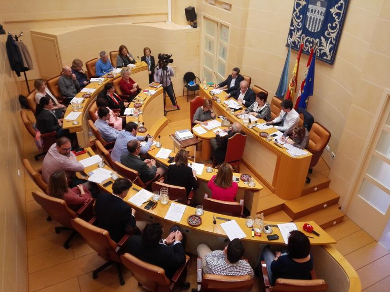 Pleno extraordinario del Ayuntamiento de Segovia