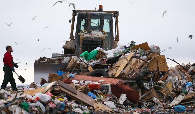 La 'economía circular' defiende pasar de 'producir, usar y tirar' a 'producir, usar, reutilizar y reciclar'