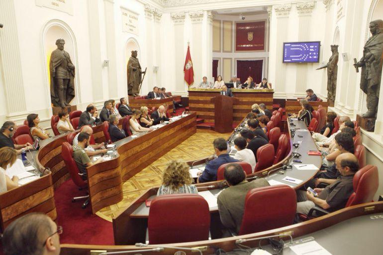 Las Juntas Generales durante la celebración de una sesión plenaria