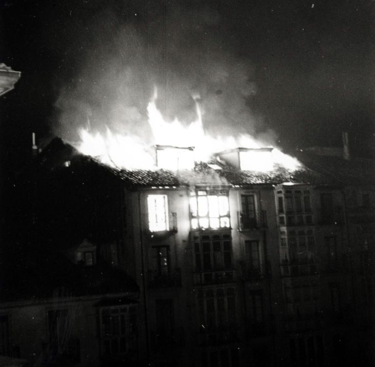 INCENDIO DE LA PLAZA DE LA PROVINCIA DE VITORIA EN 1955