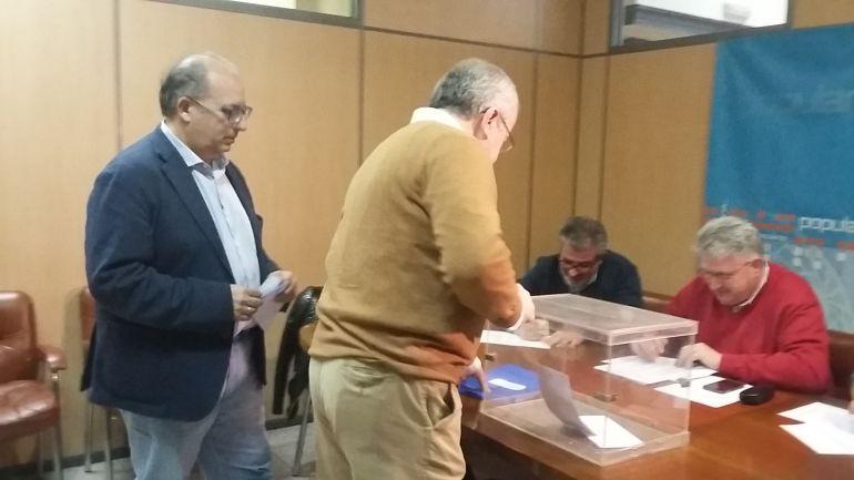 Fernández pide disculpas a los afiliados por los problemas del censo
