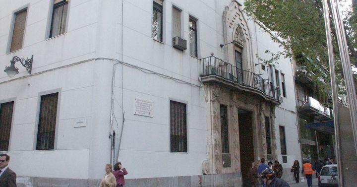 El ayuntamiento contar con una oficina de atenci n al for Oficina atencion al contribuyente madrid