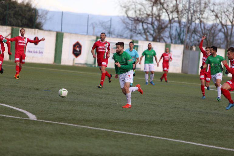 Néstor Gordillo, jugador del CD Guijuelo, en una imagen propia del club charro.