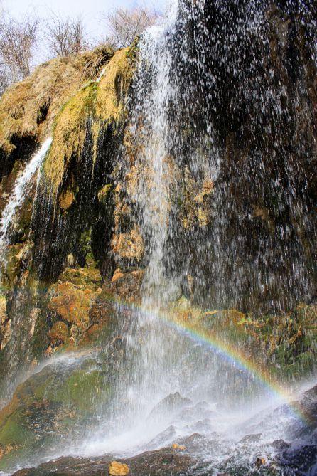 El arco iris en la cascada del Molino.