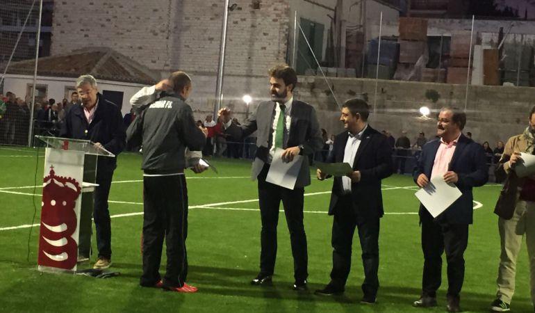 Momento de la Inauguración del nuevo campo de futbol 7 de césped artificial de Bedmar-Garcíez