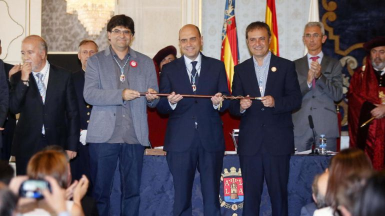 Miguel Ángel Pavón, Gabriel Echávarri y Natxo Bellido el día de la investidura