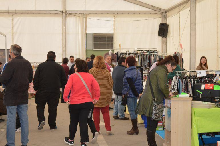 Más de 3.000 personas han pasado por la I Feria de Oportunidades de Mota