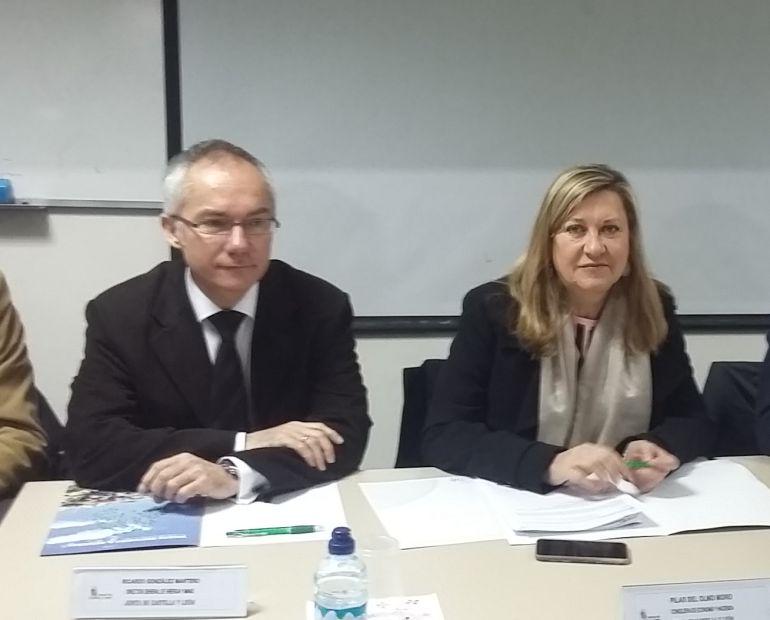 Consejera de Economía, Pilar del Olmo, y director general de Energía, Ricardo González Mantero