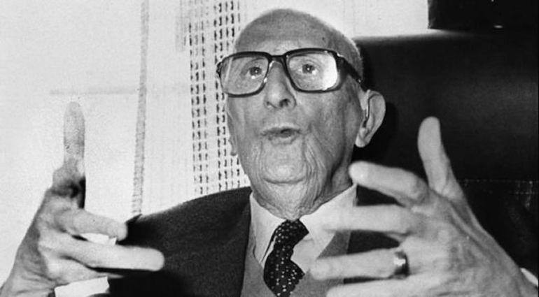 El poeta Jorge Guillén en una imagen de archivo tomada en 1982.