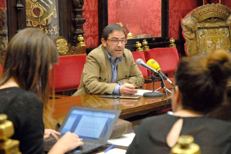 Rueda de prensa del concejal de Urbanismo de Granada, Miguel Ángel Fernánez Madrid este lunes