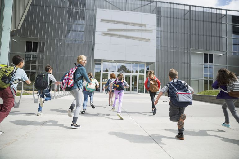 Los caminos escolares seguros buscan que los niños vayan a sus colegios andando
