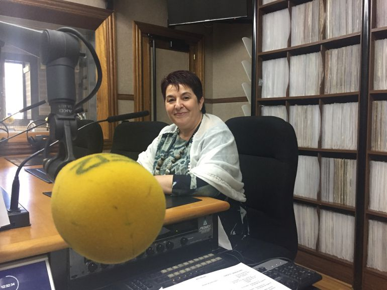 La alcaldesa de Segovia, Clara Luquero, en los estudios de Radio Segovia