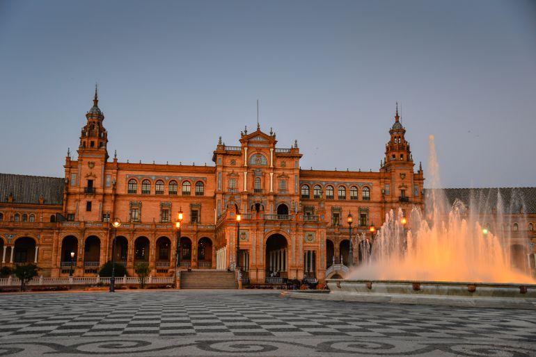 Plaza de España de Sevilla declarada Tesoro Cultura Cinematográfica Europea: La Plaza de España, Tesoro de la Cultura Cinematográfica europea