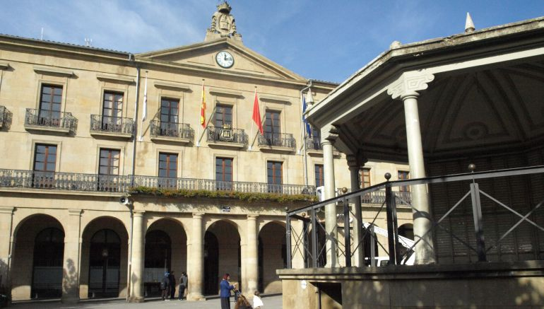 Ayuntamiento de Tafalla en la Plaza de Navarra