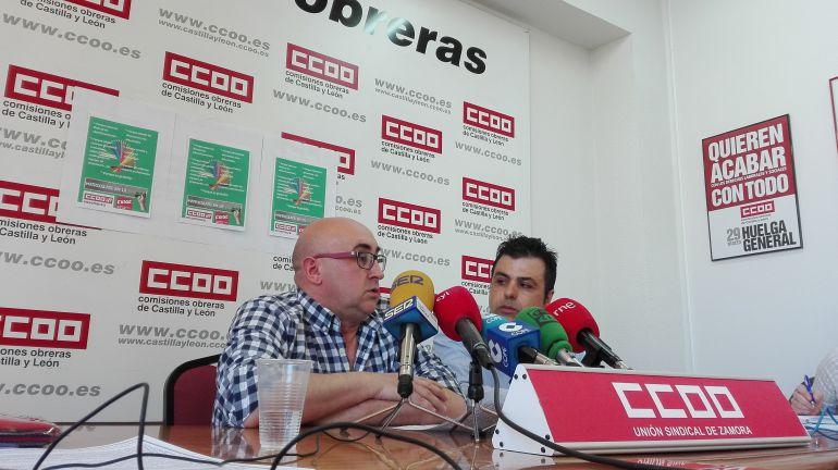 Esteban Alonso, secretario de Personal No Universitario de CCOO en rueda de prensa