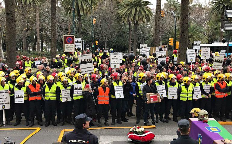 Málaga, bomberos laboral , conflicto, huelga, Ayuntamiento, sindicatos: La fiscalía investiga si hay responsabilidades en el cierre del parque de bomberos de Churriana el día que se produjo un incendio