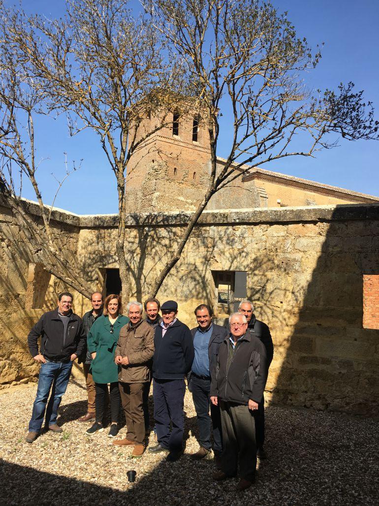 Visita de la presidenta de la Diputación a Bárcena de Campos (Palencia)