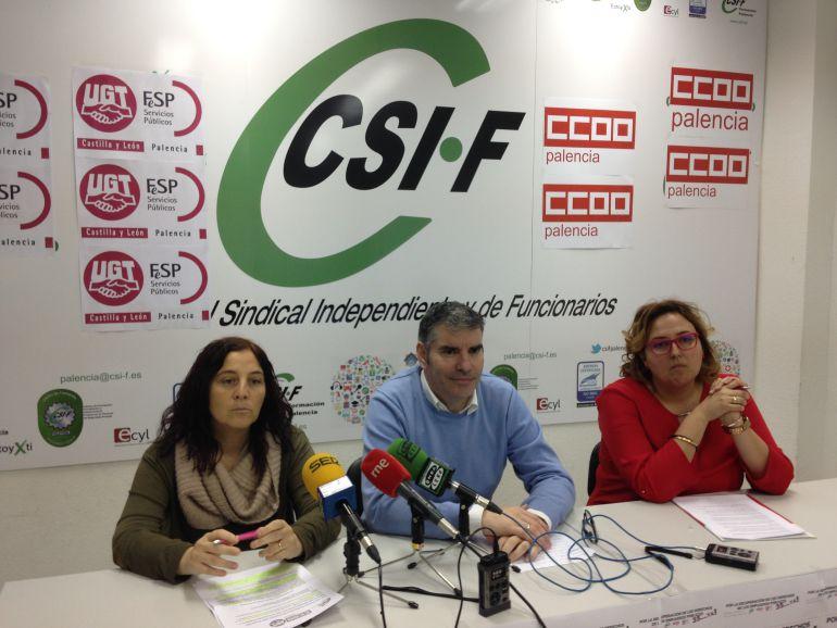 María de Rozas, UGT, Benjamín Castro, CSIF, y Nieves Noriega de CCOO