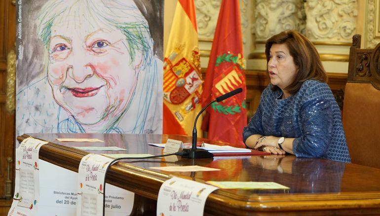 La concejala de Educación, María Victoria Soto, durante la presentación de los actos