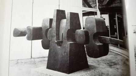 Escultura de nombre homónimo situada en el Edificio Campsa de Madrid