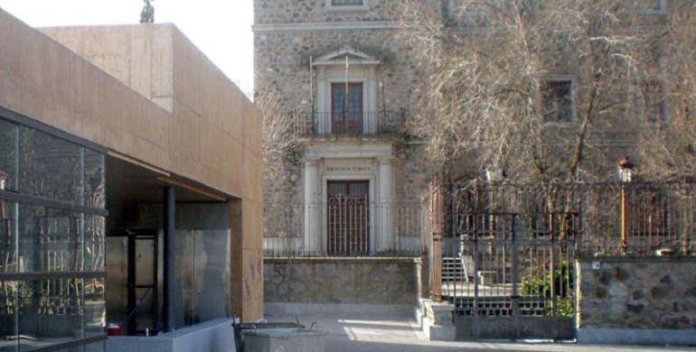 Edificio de la antigua biblioteca de El Miradero de Toledo