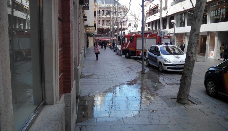 Litros de agua inundan zara ciudad real ser - Zara ciudad real ...