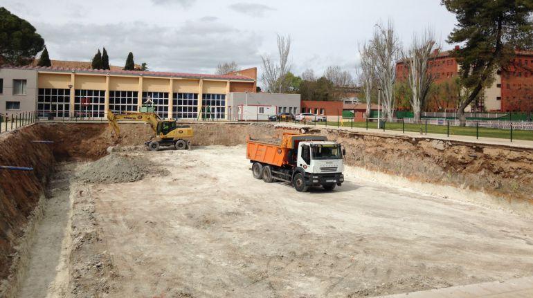 Contin an las obras en la piscina municipal ser ciudad for Piscina municipal albacete