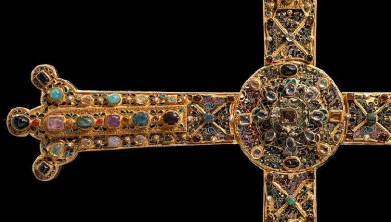 La leyenda de Don Pelayo y la Cruz de la Victoria se creó en el siglo XII